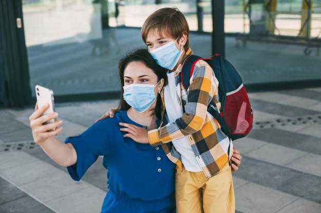 Szkoła i koronawirus. 10 zasad, o których musisz pamiętać w szkole w czasie pandemii